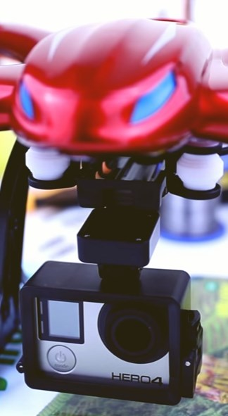 Установленная на подвес камера на MJX X102H